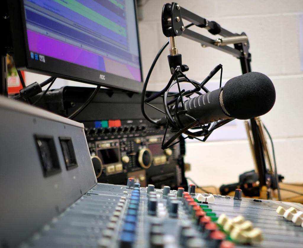 sine fm radio station Doncaster
